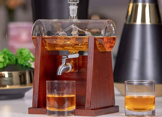 Jillmo Whiskey Decanter Set