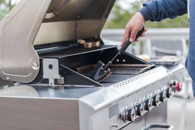 3 Gas Grill Maintenance Tips