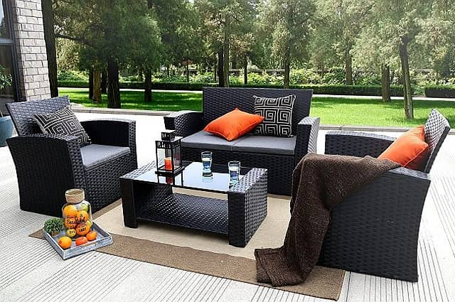 Baner Garden 4-Piece Outdoor Furniture Set