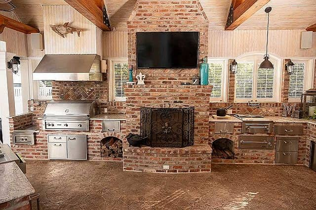 Outdoor Kitchen Design Plans and Tips