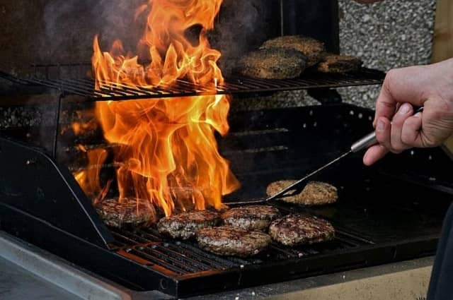 BBQ Grill Safety Tips and Fire Facts