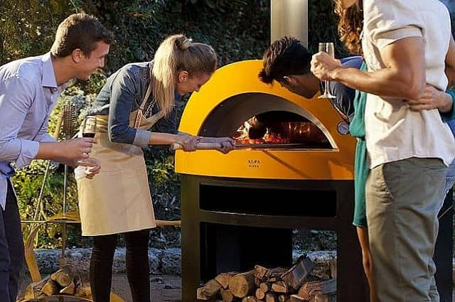 5 Great Outdoor Pizza Ovens